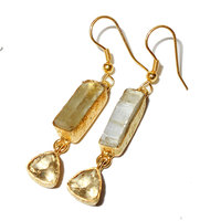 2015 HANDMADE SEMI PRECIOUS STONE BEAUTIFUL HANGING GOLD VERMEIL EARRINGS WITH RAW GEMSTONE - RBE968