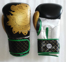 Custom boxing gloves Leather or Artificial leather Custom Boxing Gloves
