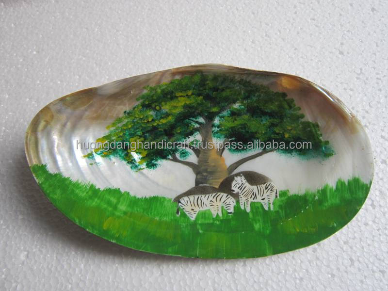 Special picture inside seashell/ unique painting with lacquer material/painting seashell