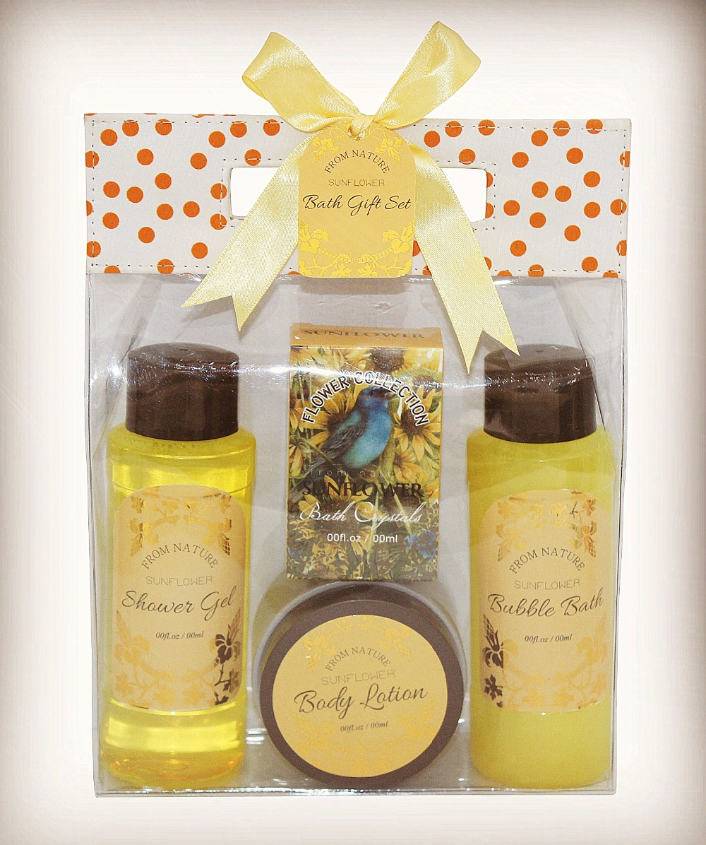 FDA CPSR approved attractive bath gift set amenities hotel and home use in wooden box
