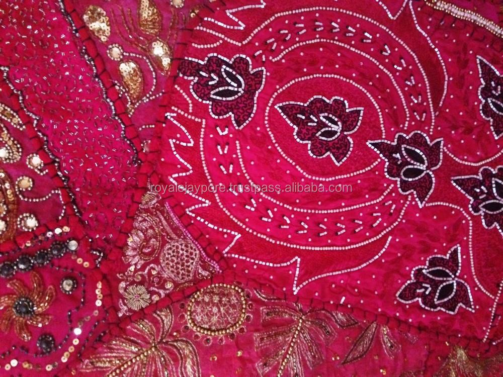 Indische etnische tribale vintage sari stof patchwork pailletten kralen wandtapijt wandtapijten - Etnische pouf ...