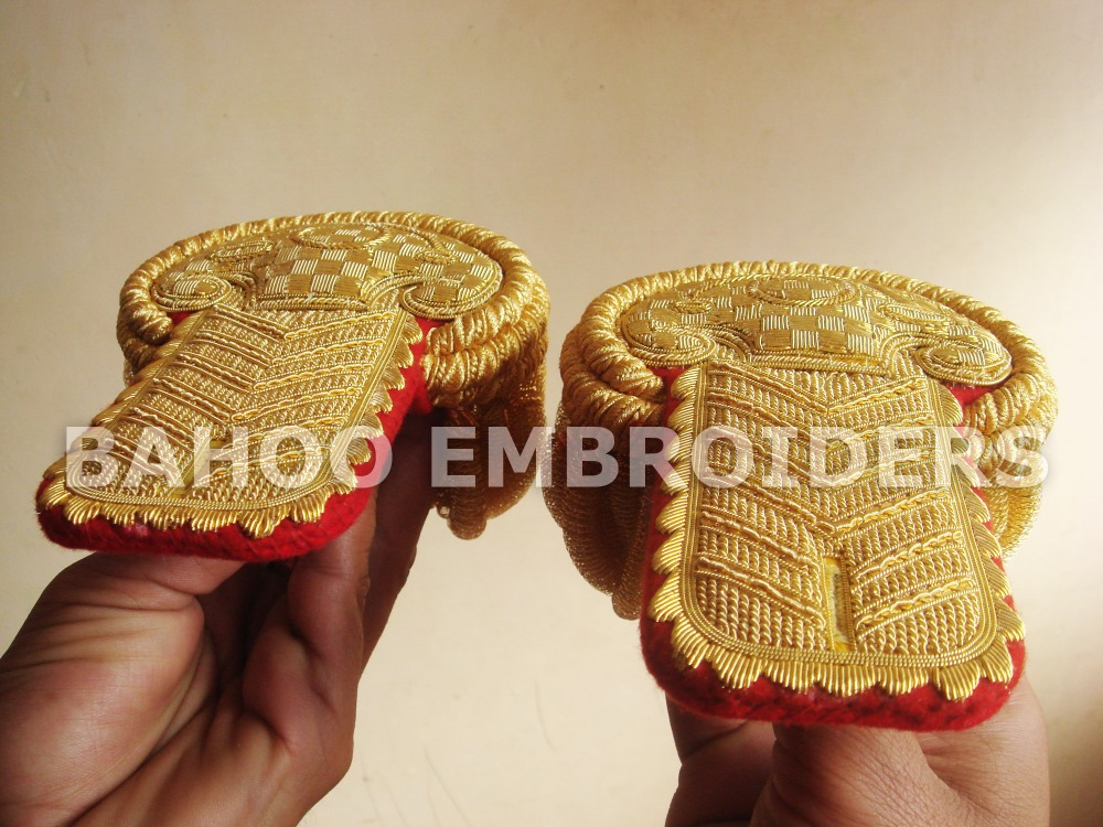 General Officer Epaulets with Red Base