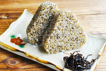 Organic Germinated Brown Rice Ball with Red Perilla 90gx2