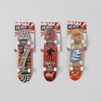 JUMBO SKATE BOARD FINGER/HAND TOY 3AST DESIGNS 11X2.75IN #G16947