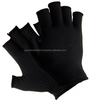 Rugby Gloves Palm technology delivers optimum performance in all weather conditions.