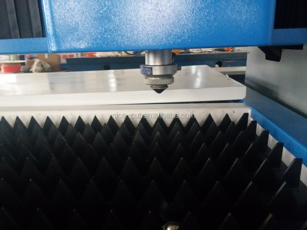 NC-F3015 Chinese supply smooth 500w fiber laser cutting machine for stainless carbon steel