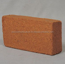 Substrate Peat Moss Coco Peat Blocks in Retail Packing with Premium Quality.