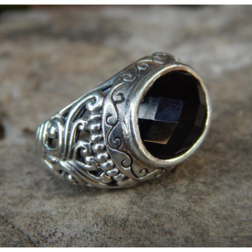 Silver ring patra carving motif with black onyx checkerboard stone