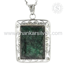 Valentine Couple Gemstone Silver Emerald Pendant 925 Silver Jewelry Wholesaler Handmade Silver Jewelry