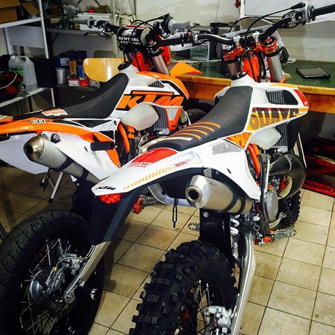 KTM Enduro 300 EXC Six Days 2017 (300cc DIRT BIKE)