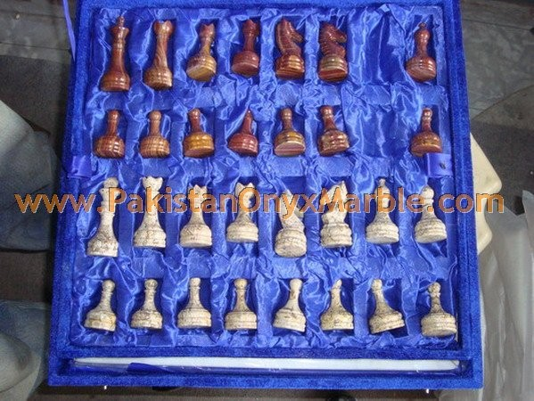 onyx-chess-boards-set-checkers-red-onyx-green-onyx-white-onyx-figures-13.jpg