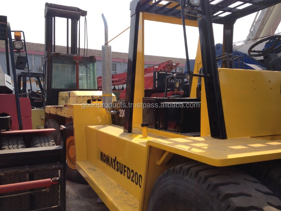 Used Komatsu forklift 20 ton, FD200e , Original from Japan, cheap price