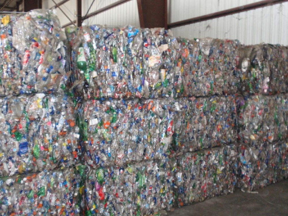 100% clear PET Bottles plastic scrap for sale at very cheap RATES