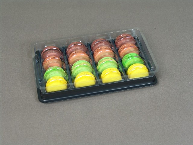Custom Design high quality disposable vacuum forming food grade Macaroon Cover and Tray Set Packaging