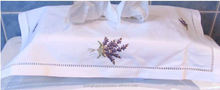 hand embroidery tissue box cover