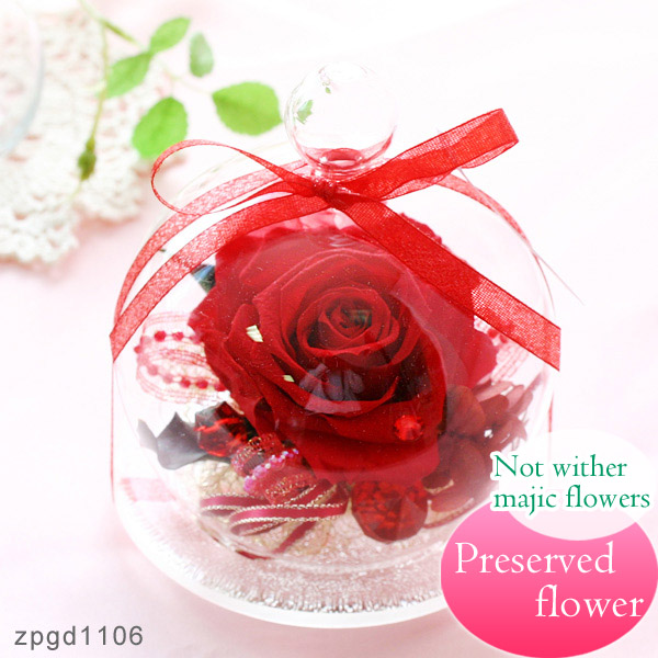 Beautifully wrapped in glass, perfect for gifts, rose flower made in Japan