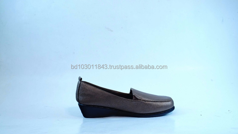Casual shoes for women
