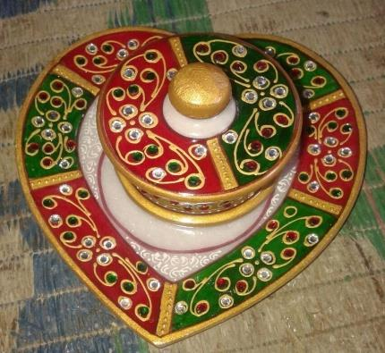 Indian Beautiful Handmade Marble Heart Shaped One Container Serving Dry Fruit Platter