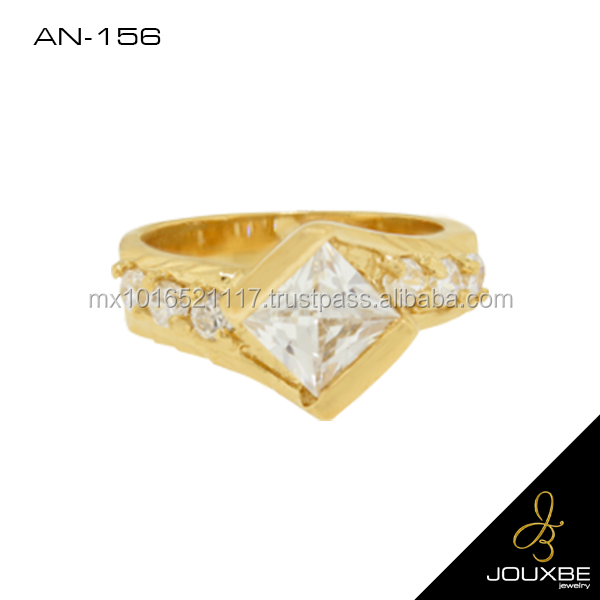 Gold plated women's ring with zirconia stone