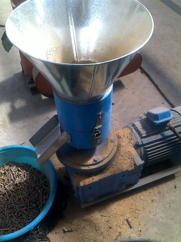 High Quality Flat Die SKJ 200 kg Wood Pellet Machine Biomass Pellet Machine