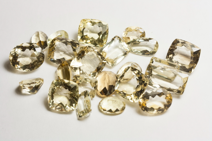 GEMSVILLAGE - 116,33 CARATS BEAUTY AND RARE NATURAL BRAZILIAN YELLOW SCAPOLITE