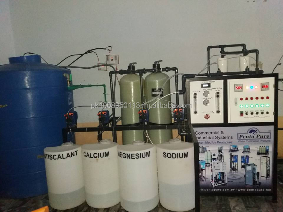 Commercial reverse osmosis water filtration system.Mineral Water Plant