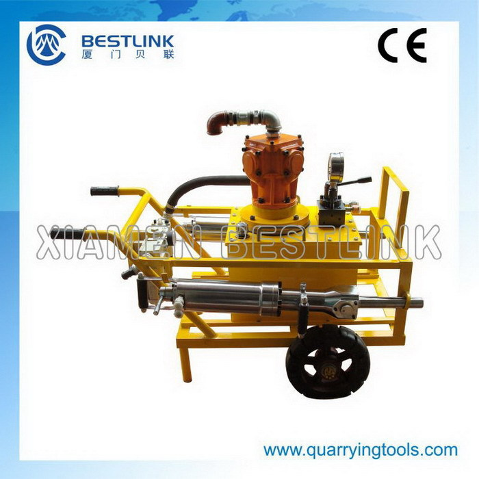 Big hole hydraulic core splitter for quarrying
