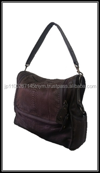 Genuine and Premium leather goods bag in stock at reasonable priceGenuine and Premium leather goods bag in stock at reasonable p