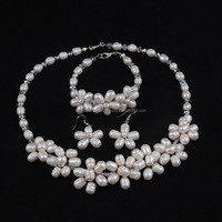 Set Crystal and White Freshwater Pearl Necklace, Earrings, Bracelet Jewelry Set