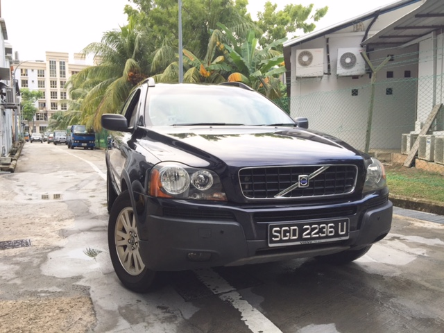 VOLVO XC90 2.5A YEAR 2006 BLUE IN COLOUR FOR SALE