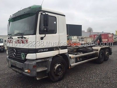 USED TRUCKS - ACTROS 2640 6X4 ROLL OFF TIPPER (LHD 9028)