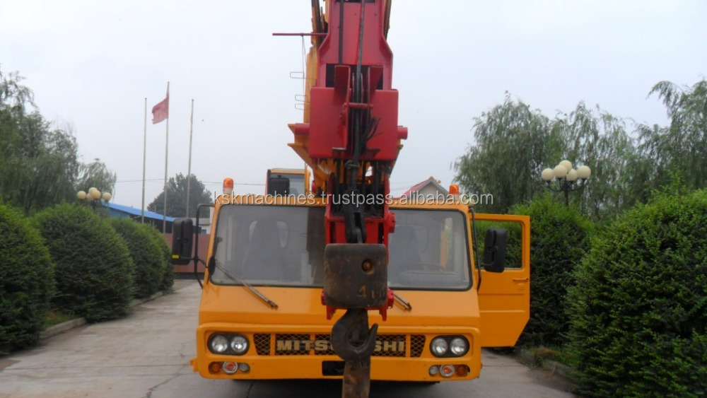 50T Used KATO truck crane NK500E mobile crane for sale from japan