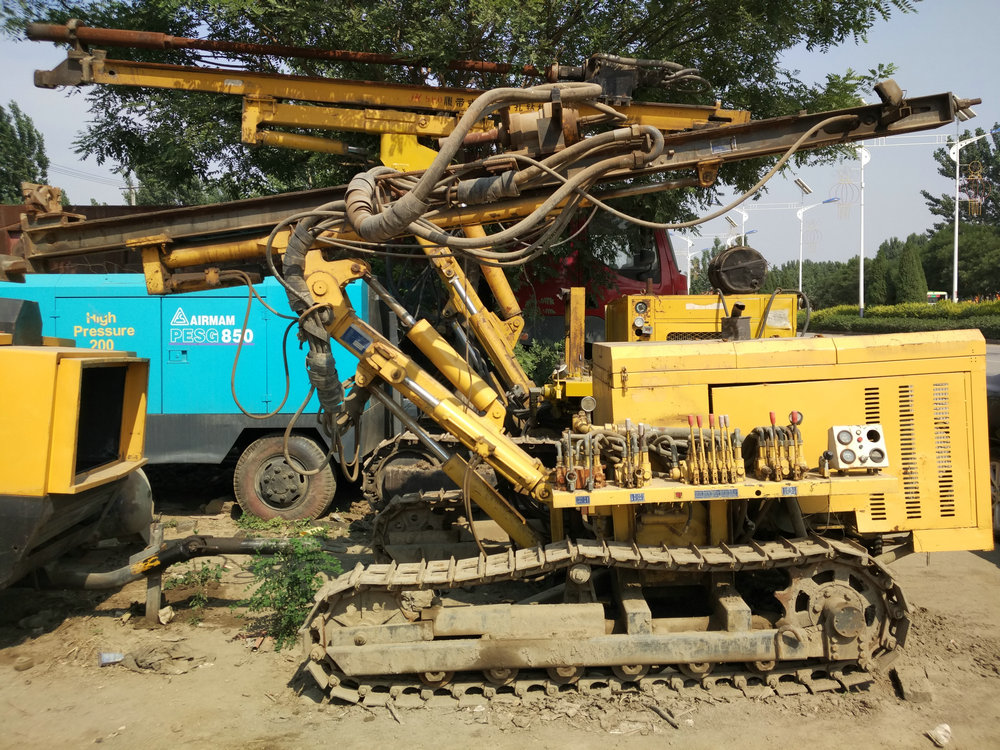 Crawler hydraulic DTH drilling rig used for sale