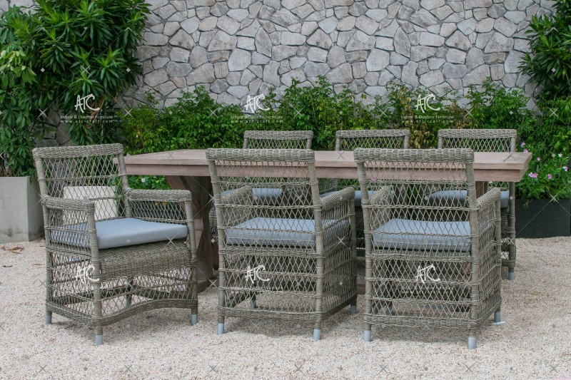 Latest design high quality synthetic rattan dining set for garden