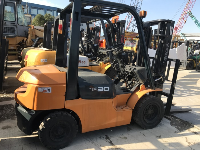 GOOD PRICE JAPAN ORIGINAL 7FD30 TOYOTA 3 TON USED FORKLIFT