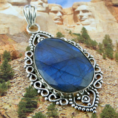 Moonlight Majesty !! Blue Fire Labradorite 925 Sterling Silver Pendant,