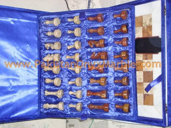 onyx-chess-boards-set-checkers-red-onyx-green-onyx-white-onyx-figures-16.jpg