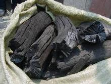 Oak and Mangrove Black and White lump wood charcoal Size B3 (size 4-6 inc)