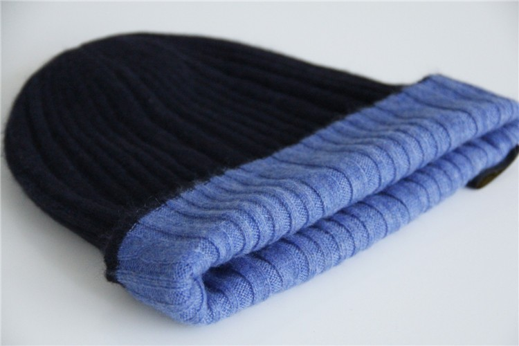 Knitted cap 100% cashmere