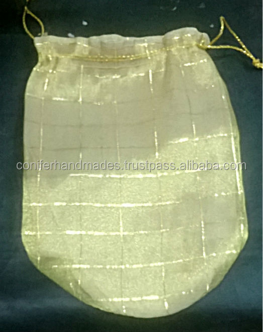 drawstring bags made from organza fabric with checks pattern suitable for wedding gift packaging or chocolate packaging