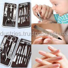Manicure Pedicure Kit / Manicure Instruments set / Beauty care tools Case/17049