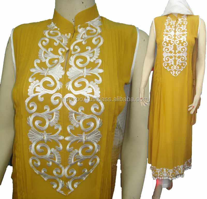 Ladies Embroidered Arabian Lawn Dress