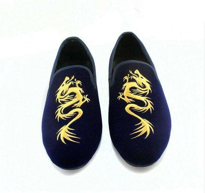 Men Velvet Loafers Gold Totem Design Shoes Casual Mens Slip On Leather Shoes Luxury Embroidered