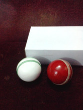 HIGH QUALITY LEATHER CRICKET HARD BALL / LEATHER CRICKET