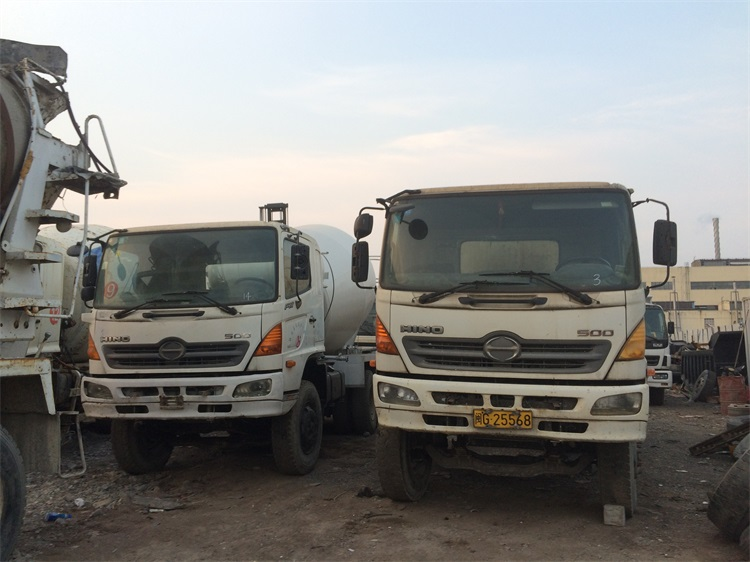 7 m3 - 9 m3 Hino 500 Used Concrete Mixer Truck For Sale