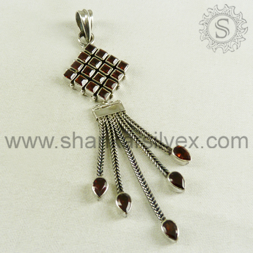 Luminous Silver Jewelry Red Garnet Pendant 925 Sterling Silver Pendant Supplier Fashion Silver Jewelry