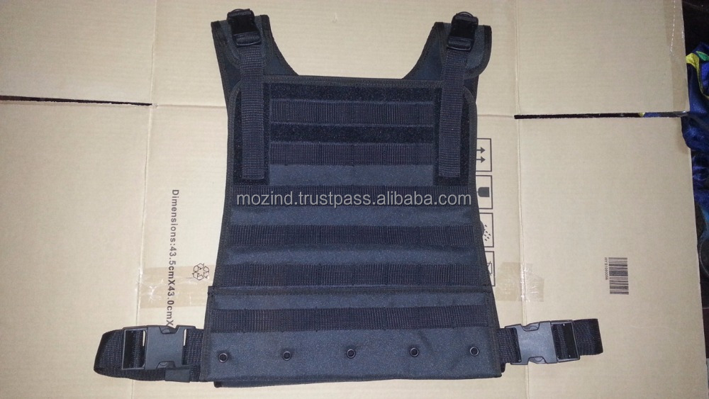 Compact plate carrier / M-XL Adjustable Compact Plate Carrier Side release buckles on shoulders and waist strap Compression mold