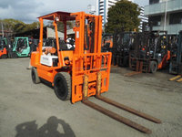 USED FORKLIFT TOYOTA 2.8ton JAPAN 3FD28
