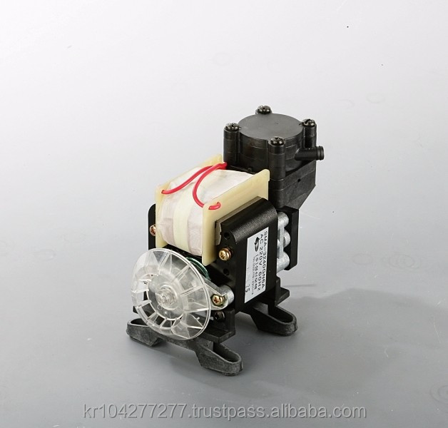Mini Oil free portable air compressors Small vacuum pump, Oilless air compressor piston type dental compressor 2.5bar 2bar