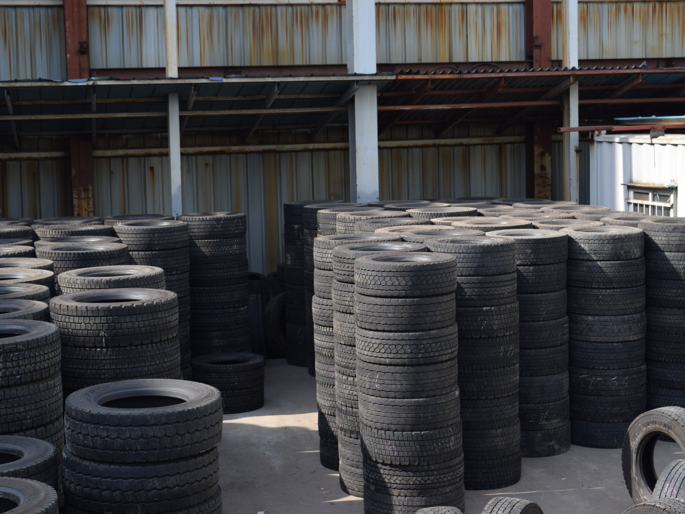 Sumitomo Used Passenger Car, Light, Commercial Truck & Bus Tires (Japanese Brands List) Airless Rubber Radial Tyres Wholesale
